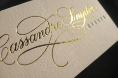 outsource-print-business-cards-gold-foil